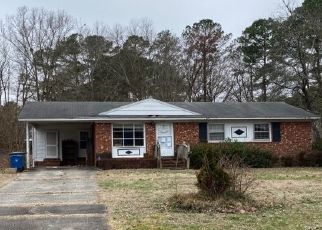 Pre Foreclosure in Fayetteville 28311 MCCHOEN DR - Property ID: 1776809873
