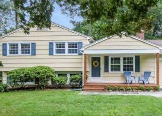 Pre Foreclosure in Monroe 06468 WILLIAMSBURG DR - Property ID: 1776870741