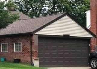 Pre Foreclosure in Saint Clair Shores 48081 BARTON ST - Property ID: 1777254402