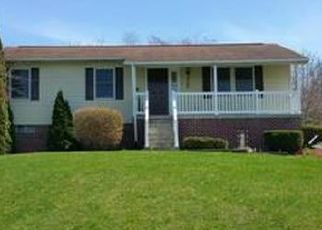 Pre Foreclosure in Chambersburg 17202 MEADOW GREEN LN - Property ID: 1777527253