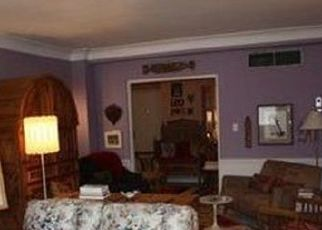 Pre Foreclosure in Cleveland 44120 FAIRHILL RD - Property ID: 1777667409