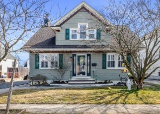 Pre Foreclosure in Freeport 11520 NASSAU AVE - Property ID: 1778029623