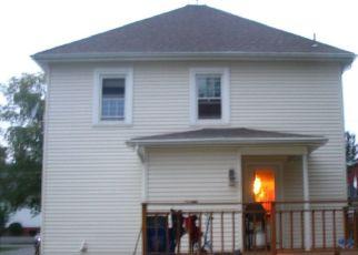 Pre Foreclosure in Newfane 14108 DUTTON PL - Property ID: 1778033111