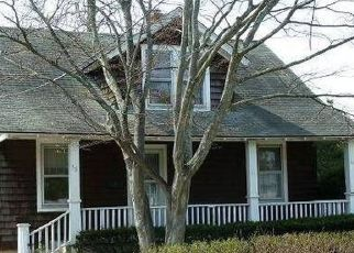 Pre Foreclosure in Islip 11751 HEMLOCK ST - Property ID: 1778073863
