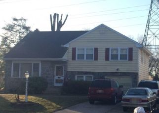 Pre Foreclosure in Riverton 08077 BOXWOOD LN - Property ID: 1778248607
