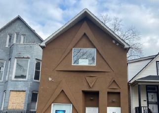 Pre Foreclosure in Chicago 60617 S MUSKEGON AVE - Property ID: 1778537672