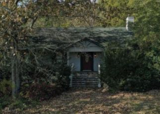 Pre Foreclosure in Dubuque 52001 JACKSON ST - Property ID: 1778713738