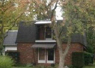 Pre Foreclosure in Muncie 47304 N REDWOOD LN - Property ID: 1778772420