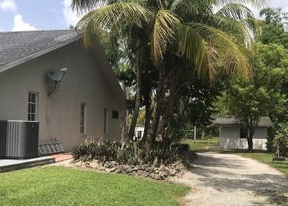 Pre Foreclosure in Naples 34120 MASSEY ST - Property ID: 1779132885