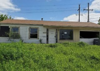 Pre Foreclosure in Lawton 73505 NW LINCOLN AVE - Property ID: 1780215998