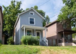 Pre Foreclosure in Cincinnati 45212 ELM AVE - Property ID: 1780274230