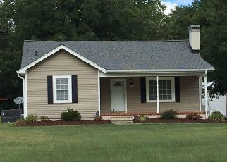Pre Foreclosure in Burlington 27215 WHITES KENNEL RD - Property ID: 1780369719