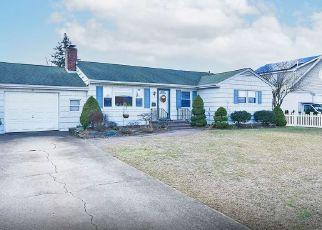 Pre Foreclosure in Massapequa 11758 MCKINLEY PL - Property ID: 1780430146