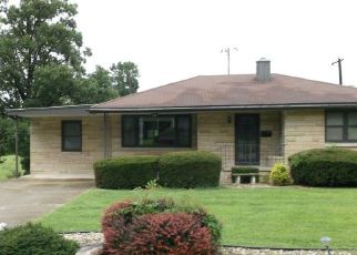 Pre Foreclosure in Bloomfield 47424 SUNSET DR - Property ID: 1780966225