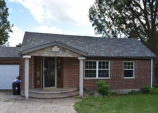 Pre Foreclosure in Winnebago 61088 E BLUFF ST - Property ID: 1781756336