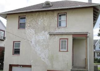 Pre Foreclosure in Reading 19606 GLENN TER - Property ID: 1781819401