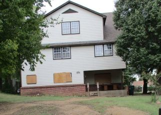 Pre Foreclosure in Tulsa 74106 N DENVER BLVD - Property ID: 1781840428