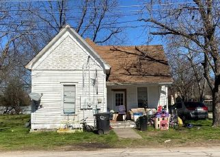 Pre Foreclosure in Cleburne 76031 SABINE AVE - Property ID: 1782218396