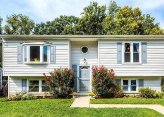Pre Foreclosure in Essex 21221 FUSELAGE AVE - Property ID: 1782370372