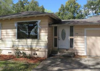 Pre Foreclosure in Gainesville 32641 NE 1ST AVE - Property ID: 1782622657