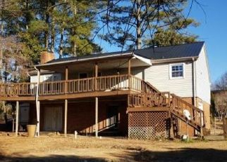 Pre Foreclosure in Hope Mills 28348 LAKESHORE DR - Property ID: 1784670169