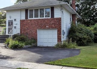 Pre Foreclosure in Freeport 11520 HOLLOWAY ST - Property ID: 1784711347