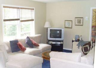 Pre Foreclosure in Bloomingdale 07403 HAMBURG TPKE - Property ID: 1784870780
