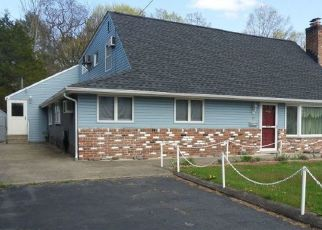 Pre Foreclosure in Pompton Lakes 07442 SPRUCE RD - Property ID: 1784944797