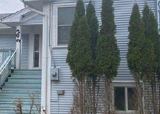 Pre Foreclosure in Granville 12832 HIGGINS RD - Property ID: 1784958361