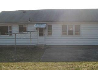 Pre Foreclosure in Danbury 06810 SUNRISE RD - Property ID: 1785109464