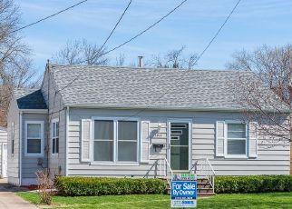 Pre Foreclosure in Cedar Rapids 52402 OAKLAND RD NE - Property ID: 1785497960