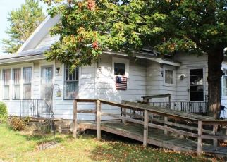 Pre Foreclosure in Kendallville 46755 S MAIN ST - Property ID: 1785563652