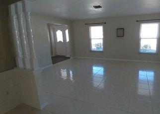 Pre Foreclosure in Orlando 32806 VINE ST - Property ID: 1785809345