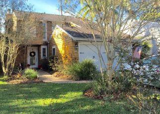 Pre Foreclosure in Atlantic Beach 32233 PINE ST - Property ID: 1785869801