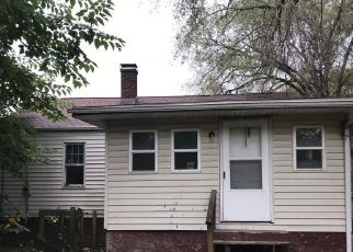 Pre Foreclosure in East Saint Louis 62204 AVON PL - Property ID: 1786724271