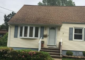 Pre Foreclosure in South Plainfield 07080 OAKMOOR AVE - Property ID: 1787655860