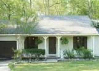 Pre Foreclosure in Fayetteville 28314 OAK MEADOW CT - Property ID: 1790028799