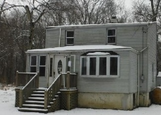 Pre Foreclosure in Fairfield 07004 CLINTON ST - Property ID: 1790175515