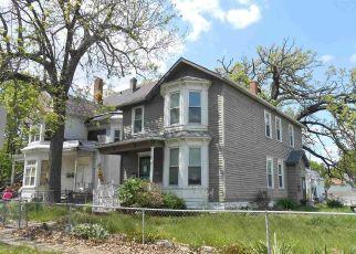 Pre Foreclosure in Davenport 52803 E 14TH ST - Property ID: 1790715988