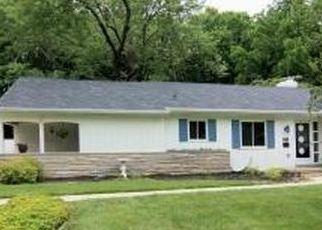 Pre Foreclosure in Cincinnati 45230 RAMBLING HILLS DR - Property ID: 1791051917