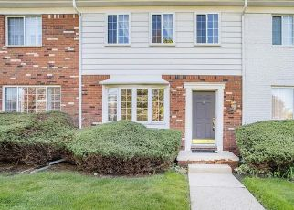 Pre Foreclosure in Bloomfield Hills 48304 FOX HILLS DR S - Property ID: 1795305953