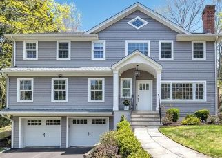 Pre Foreclosure in Fairfield 06825 LAKEVIEW DR - Property ID: 1795419374