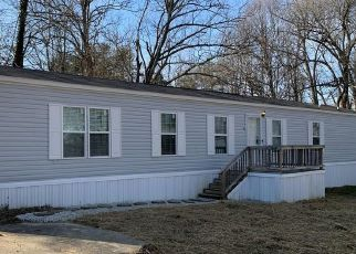 Pre Foreclosure in Radcliff 40160 OAK RIDGE DR - Property ID: 1795477632