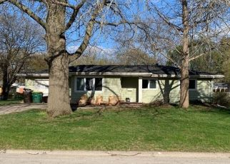 Pre Foreclosure in Winterset 50273 S 10TH AVE - Property ID: 1796330360