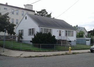 Pre Foreclosure in Medford 02155 JOSEPH ST - Property ID: 1796771402