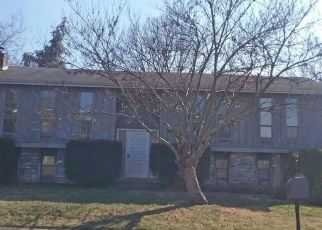 Pre Foreclosure in Louisville 40228 LINSTEAD RD - Property ID: 1797591285