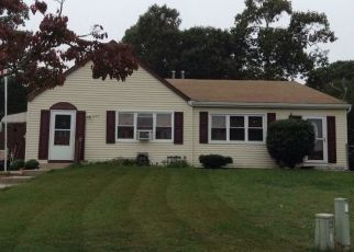 Pre Foreclosure in Toms River 08753 INNKEEPER LN - Property ID: 1798643751