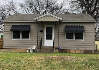 Pre Foreclosure in Fort Worth 76116 ROYAL DR - Property ID: 1799307266