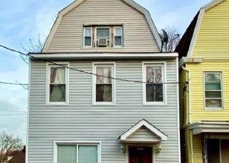 Pre Foreclosure in Irvington 07111 NEWTON PL - Property ID: 1800364995