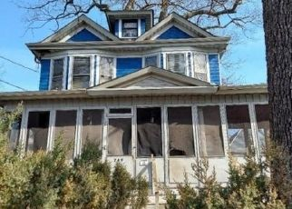Pre Foreclosure in Newark 07104 PARKER ST - Property ID: 1800492879